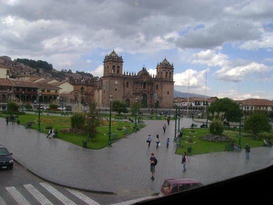 Plaza de Armas: vista desde restaurant espaderos