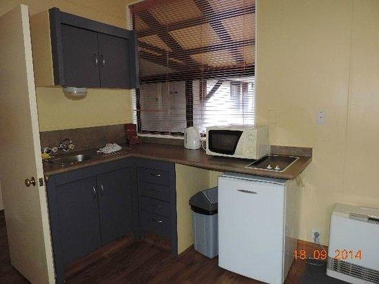 Chateau Tongariro Hotel: Kitchen