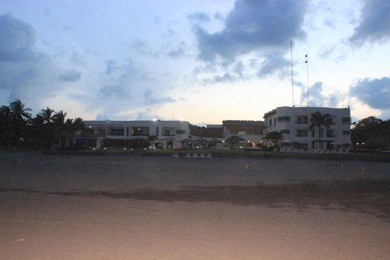 Artisan Family Hotels & Resorts Collection Playa Esmeralda: Vista frontal