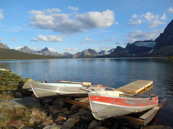 Tonquin Valley Backcountry Lodge: Boat landing