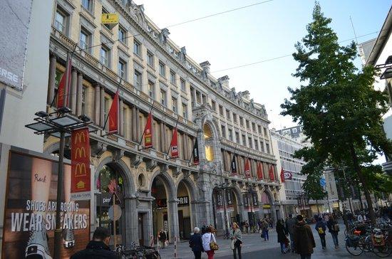 Shopping Stadsfeestzaal: улица Мейр 78