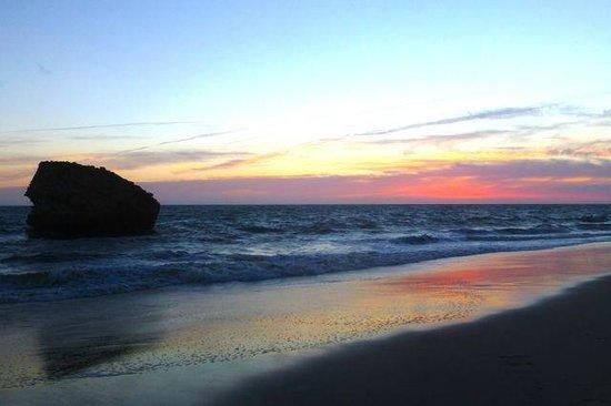 Hotel Donana Blues : Sunset at the nearby beach