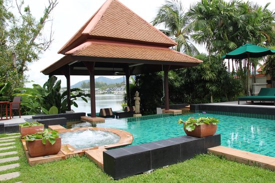 Banyan Tree Spa Sanctuary: Private pool with jacuzzi