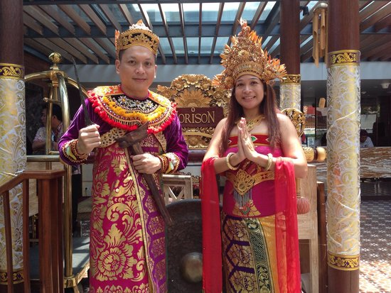 Hotel Horison Seminyak: Free Balinese picture taking!