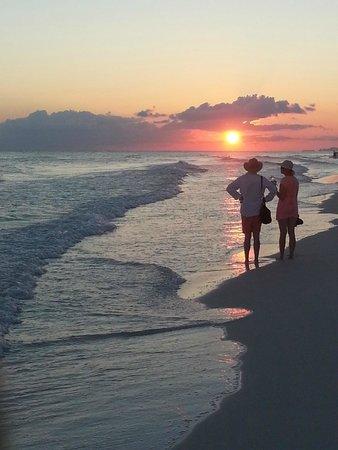 Sandestin Golf and Beach Resort: Beach the first evening of arrival