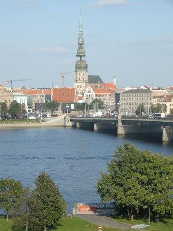 راديسون بلو دوجافا هوتل: View of the St Peter's Church from my balcony