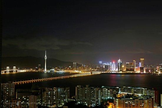 Специальный административный район Макао, Китай: Macau skyline in the evening.