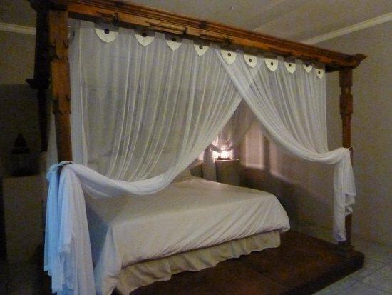 Baliku Dive Resort : Bed