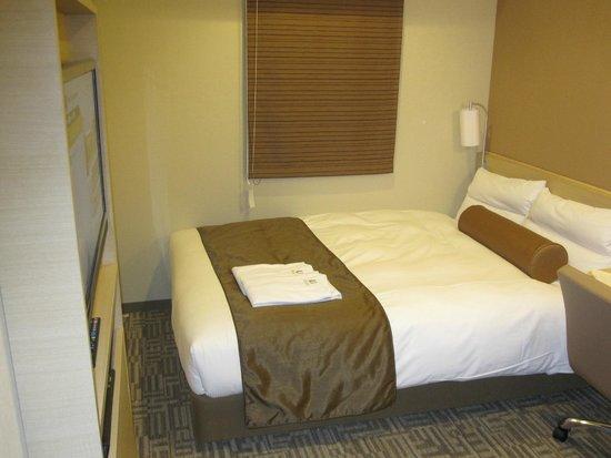Via inn Shinjuku: ベッド