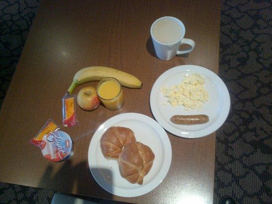 Holiday Inn Express Liverpool-John Lennon Airport: Selection fro breakfast menu