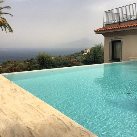 Villa Sabrina Relais : Views from the comfy sunloungers