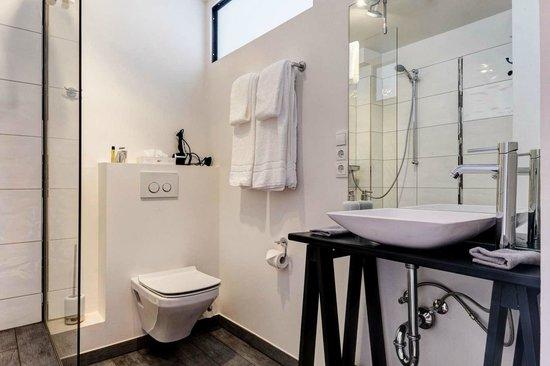 Hotel Stimbekhof: Moderne Badezimmer
