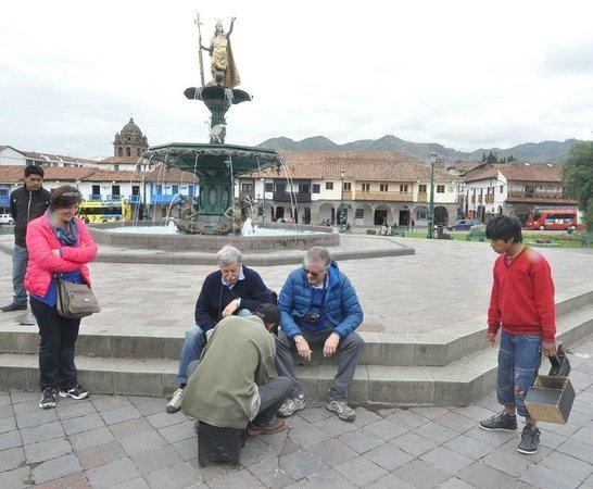 Plaza de Armas: Чистильщик обуви