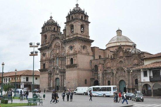 Plaza de Armas: Церковь Ла Компанья