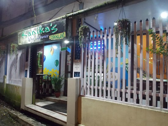 Kanika's for Veggie Lovers : The exterior of our cozy cafe