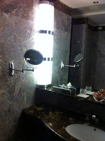 Hotel Principi di Piemonte: Bagno