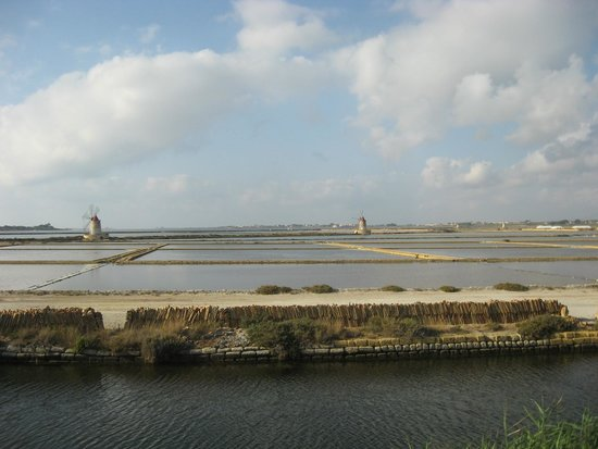 Isola di Mozia (Mothia)/ San Pantaleo: I mulini a vento