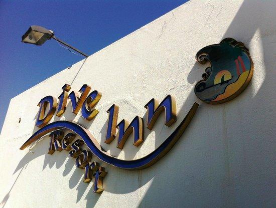 Dive Inn Resort: на ресепшене