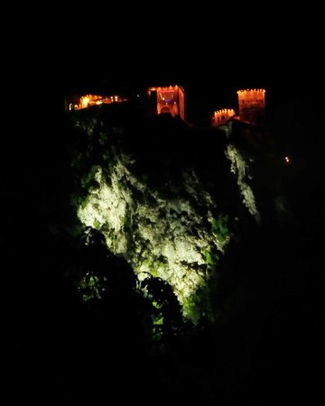 Lake Bled: Castello visto di notte
