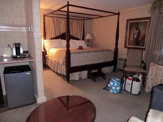 Ethan Allen Hotel: #154