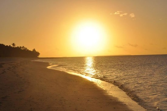 Serenity Beaches Resort: Sunset on Uoleva