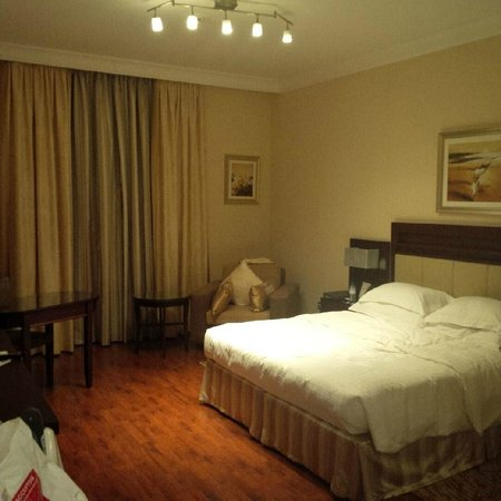 Grand Millennium Dubai: Bed Room