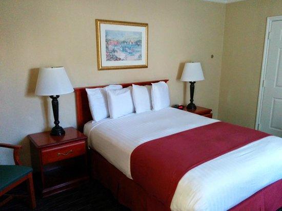 Travelodge Santa Monica: ベッド