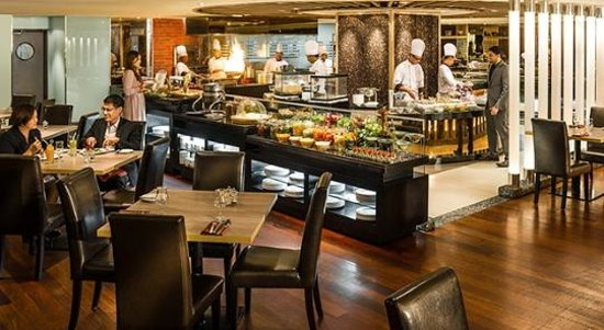 Review Buffet At Ginger Parkroyal On Beach Road: Chatz Brasserie, Kuala Lumpur