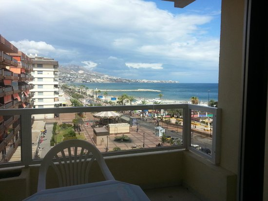 Hotel-Apartamentos PYR-Fuengirola : View from the balcony