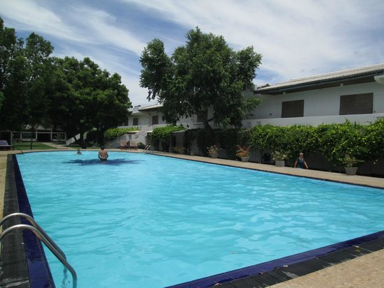 Pigeon Island Beach Resort: Hotel Pool