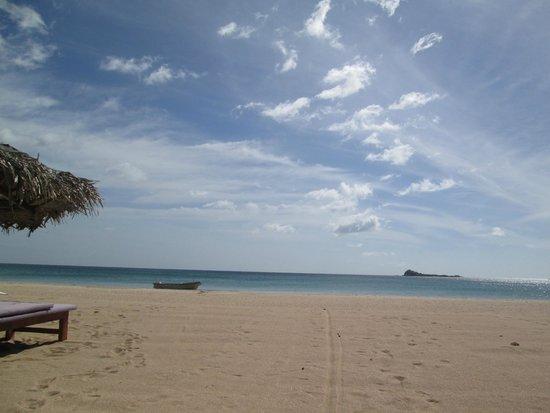 Pigeon Island Beach Resort: Hotel Beach