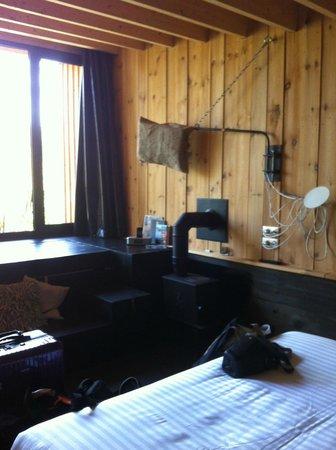 Auberge de la Grenouillere: hut room 71.7