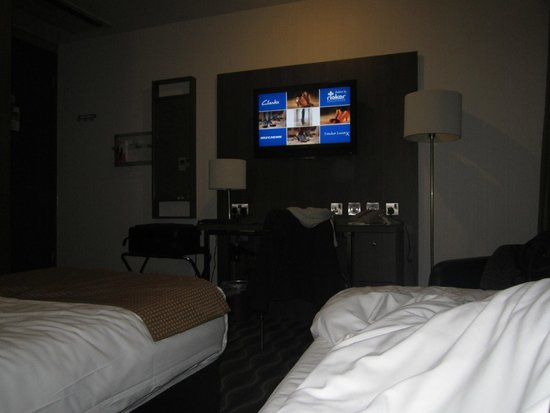 Holiday Inn London-Kingston South: View from bed