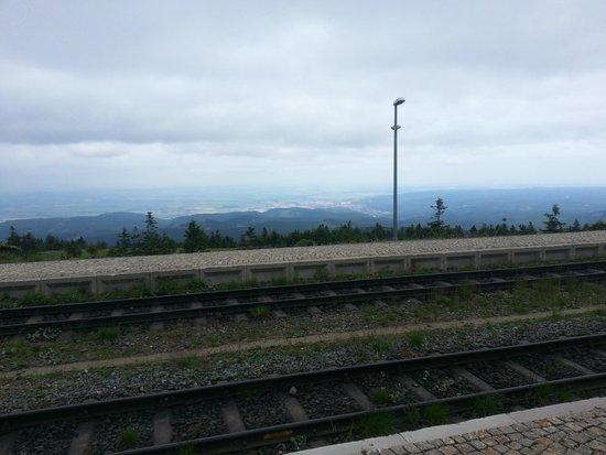 Harzer Schmalspurbahnen: Uitzicht Brocken. Helaas een weinig mistig.