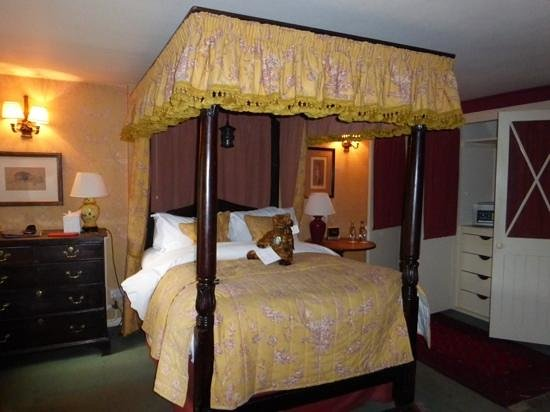 The Bay Tree Hotel : Our four poster... more comfortable than it looks!