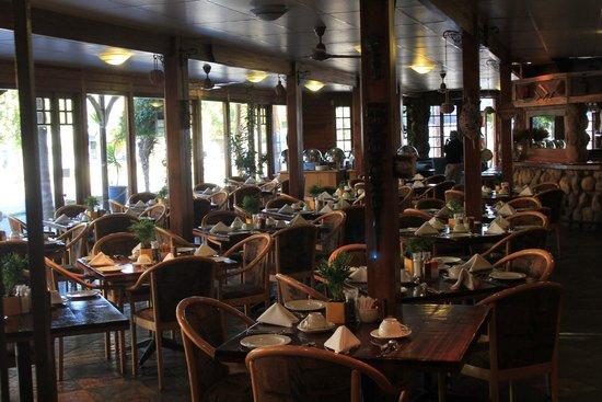 Knysna Log-Inn Hotel: Der Frühstückssaal ... hier gehts eng zu