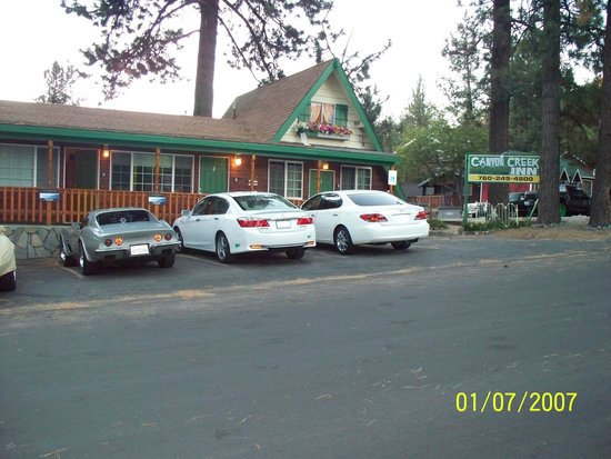 Canyon Creek Inn: right in the center of town