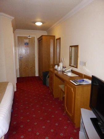 Corn Mill Lodge Hotel: Room.