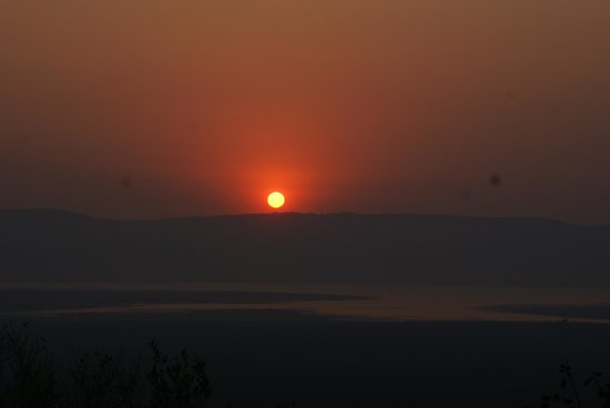 Shayamoya Tiger Fishing & Game Lodge: Gorgeous African sunset as seen from our deck