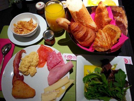 Hôtel Scribe Paris Opéra by Sofitel: 朝食のお味は、まぁまぁってところですね!笑