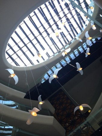 DoubleTree by Hilton Istanbul - Old Town: The lobby ceiling