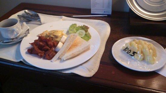Cebu Parklane International Hotel : 朝食付きのサービス