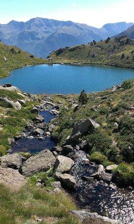 Tristaina Lake Trail: Lake connection
