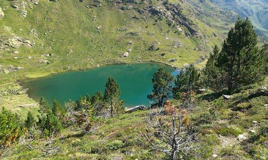 Tristaina Lake Trail: Lake 1