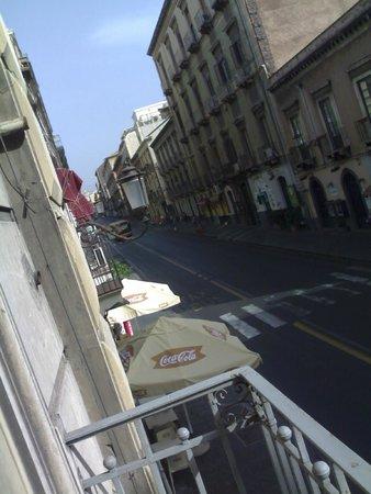 Catania Centro Rooms: dalla finestra della stanza