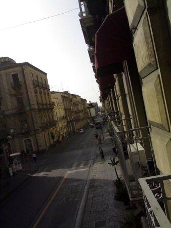 Catania Centro Rooms: dal balcone della stanza