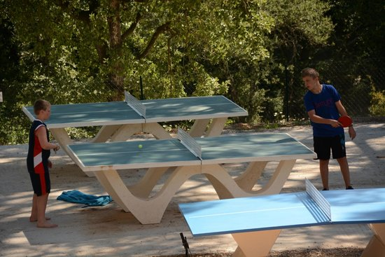 Ping-pong Camping Lou Cantaire