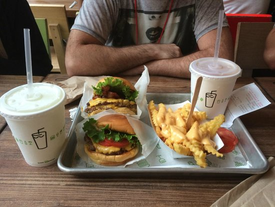 Shake Shack Theater District: Best meal ever!
