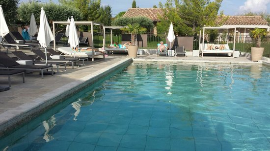 La Bastide St Georges : La piscine extérieure