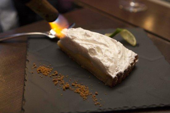 Chez les Artistes : Ici on flambe les tartes au citron